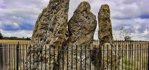 Whispering Knights Long Barrow. Image © Adam Stanford.