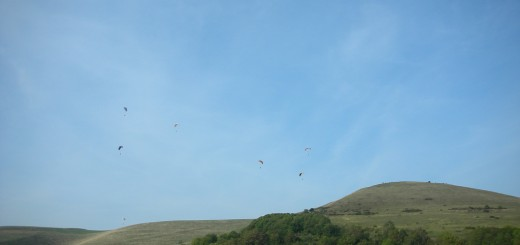 Mount Caburn Hillfort Paragliders.
